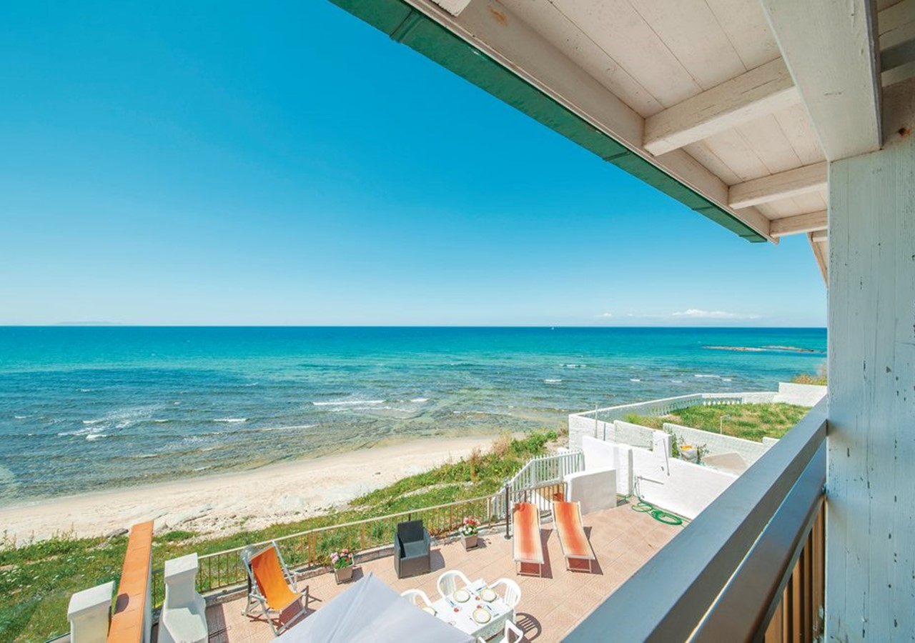 Apartment in Sardinia with direct beach access