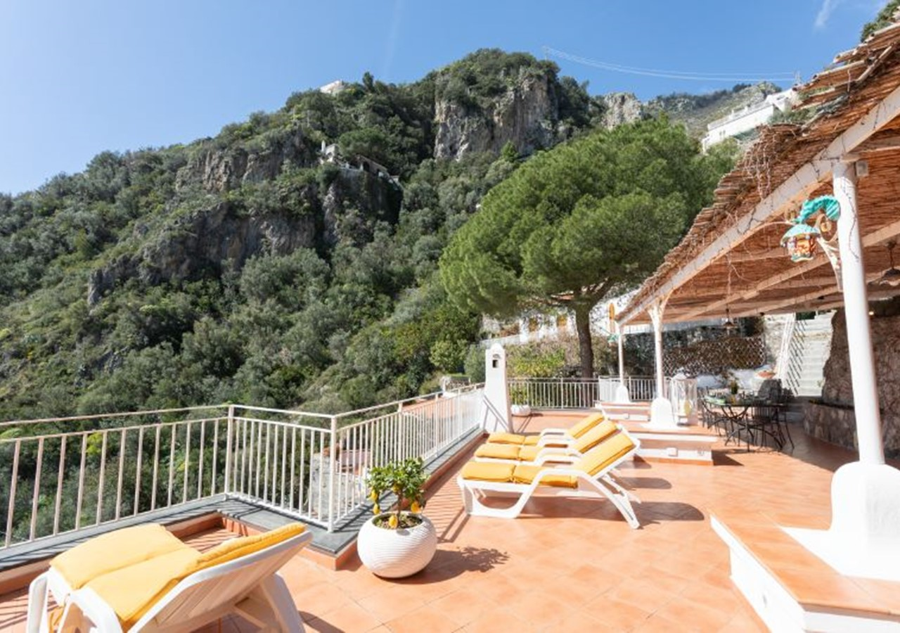 Beautiful villa for 6 people near Praiano with stunning panoramic views