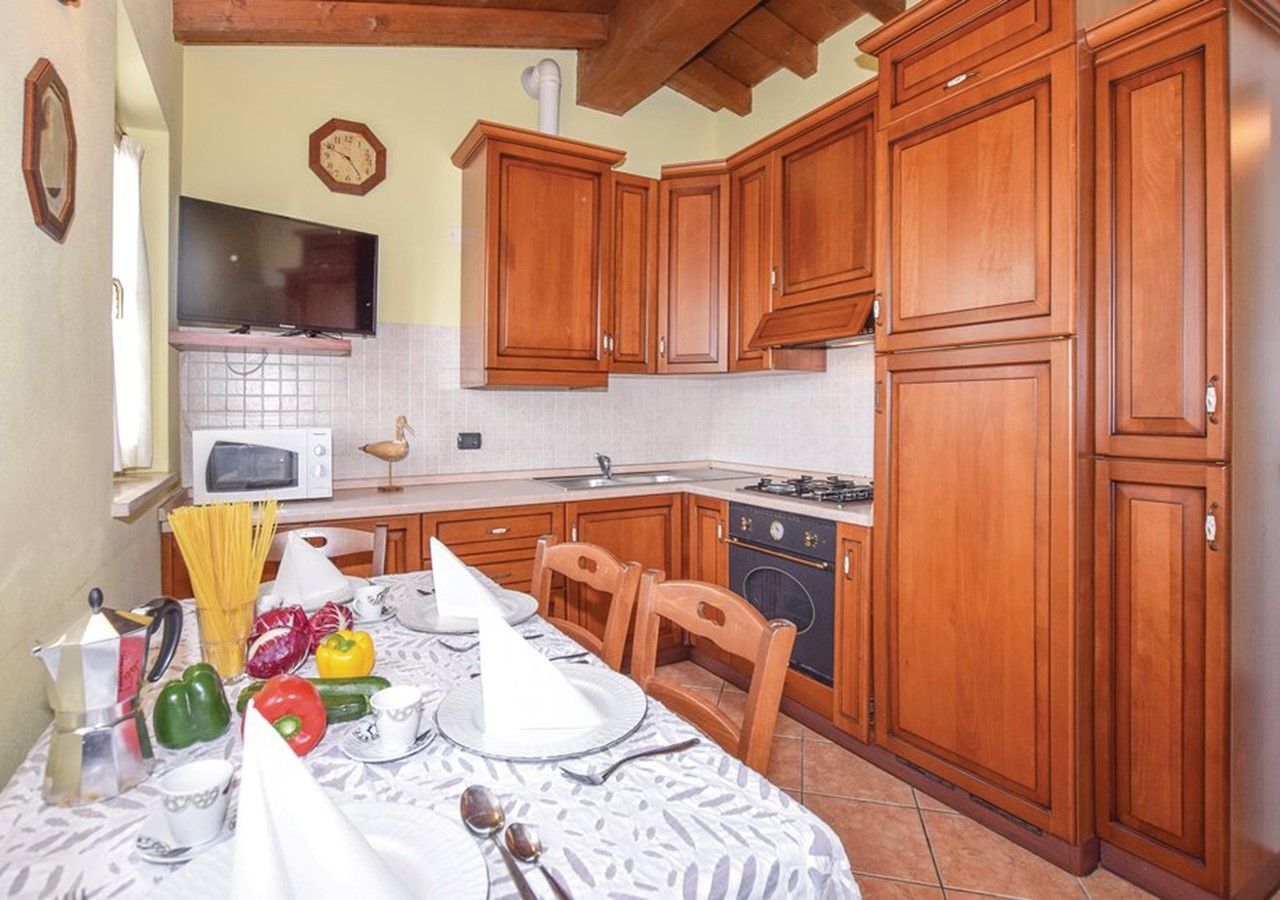 Villa for 9 people with private pool and great views of Lake Garda