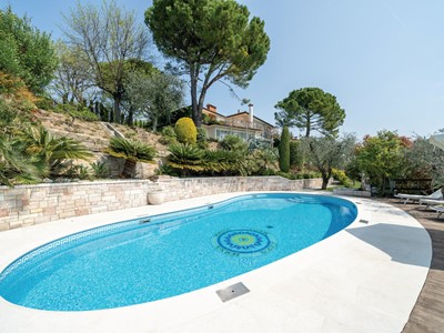 Villa for 10 people with private pool overlooking Lake Garda