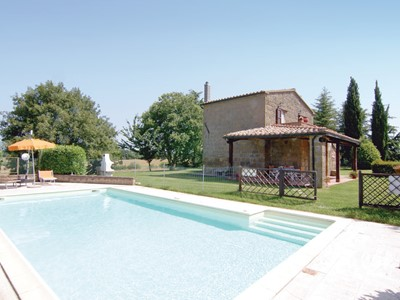 Tuscany villa with pool