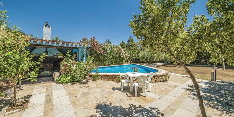 Beautiful holiday house in Sardinia with pool