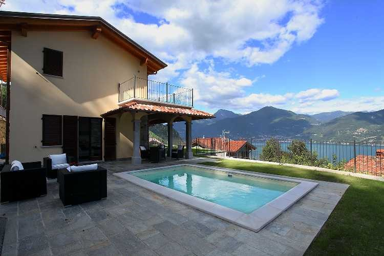 Lake Como villa with private pool