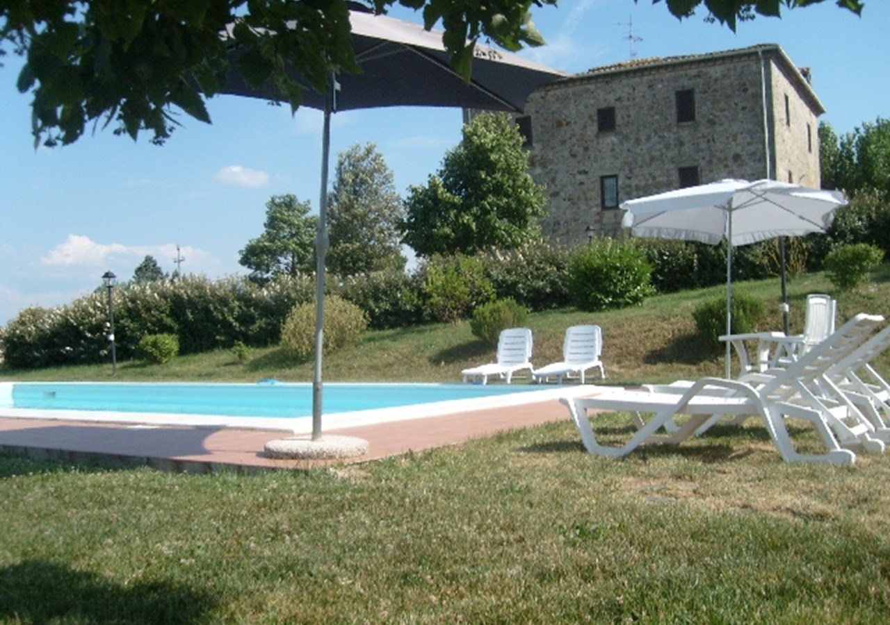 Umbria villa with pool