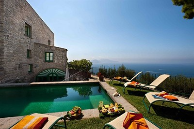 Elegant villa in Sorrento peninsular within walking distance of restaurants with private pool