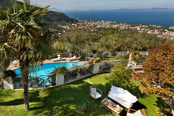 Apartment in Sorrento with pool