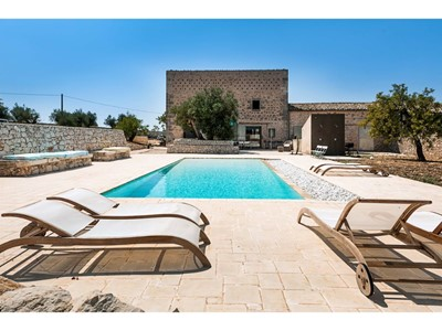 Villa for 11 people with private pool near Ragusa in south east Sicily