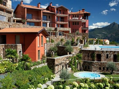 Luxury apartment for 6 people near Menaggio with swimming pool
