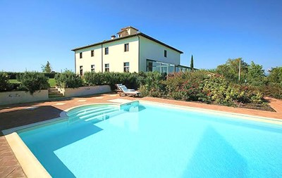 Large villa in Tuscany