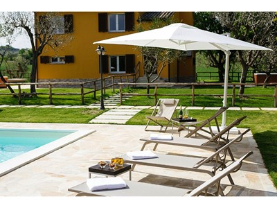 Villa for 22 people in Le Marche with swimming pool