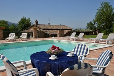 Umbria villa with private pool