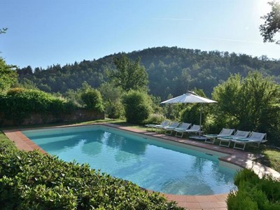 Lovely villa in the Chianti region with private pool in a peaceful position