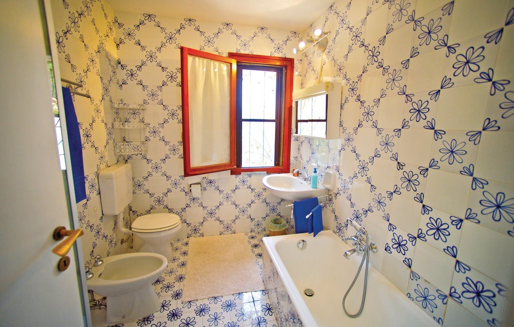 Isd424 Bath 01