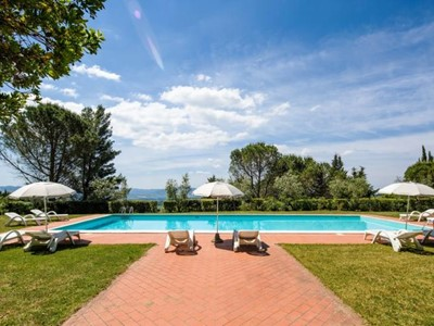 Villa in northern Tuscany for 20 people with private swimming pool