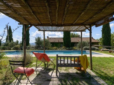 Villa in Tuscany with private swimming pool sleeping 18 people