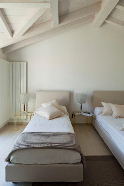 NEW Cigno Del Lago Cottage Twin Bedroom Detail
