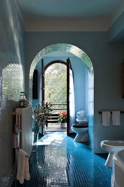 NEW Cigno Del Lago Main Villa Blue Bathroom