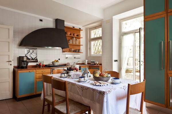 NEW Cigno Del Lago Main Villa Kitchen
