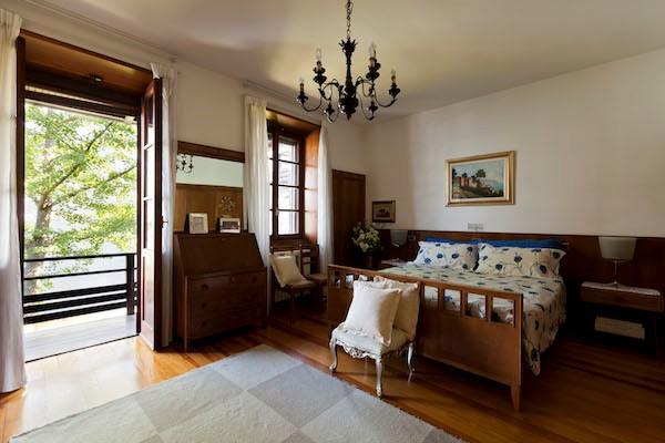 NEW Cigno Del Lago Main Villa Double Bedroom