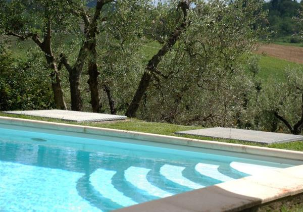 Villa in Tuscany with private pool suitable for groups of families & friends