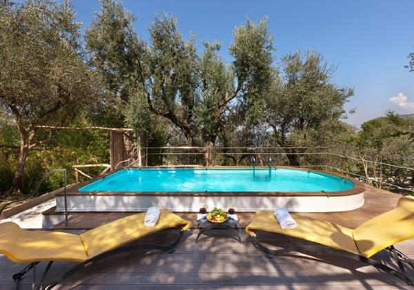 Excellent romantic villa for 4 with pool near Sorrento