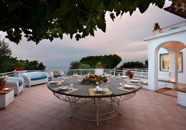 Sea view villa for 20 people with swimming pool near Sorrento