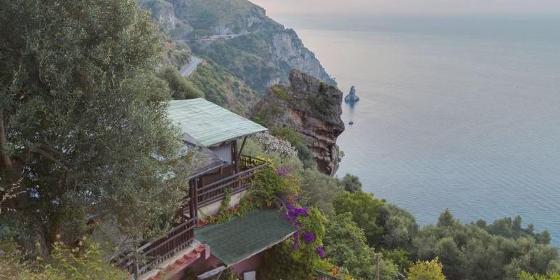 4 bedroomed villa with private swimming pool near Positano