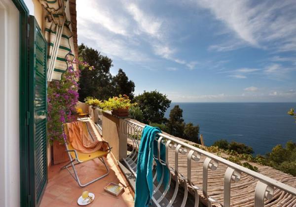 3 bedroomed sea view villa with private swimming pool near Positano