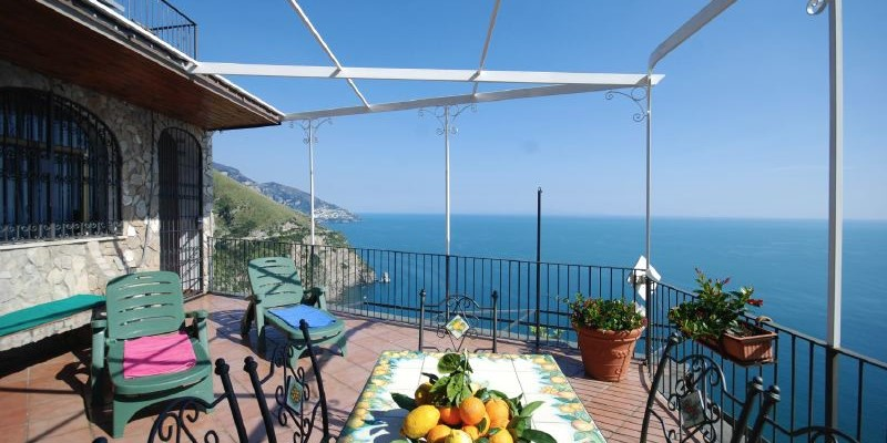 Holiday Homes in Italy offer this sea view 2 bedroomed apartment near Positano