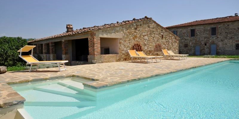 4 bedroomed villa with private pool and views of the Chianti region in Tuscany