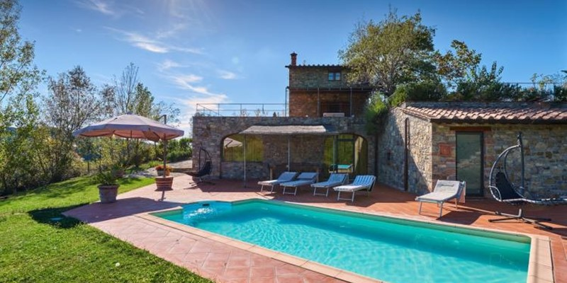 4 bedroomed villa for 8 people with private pool in the Chianti region of Tuscany