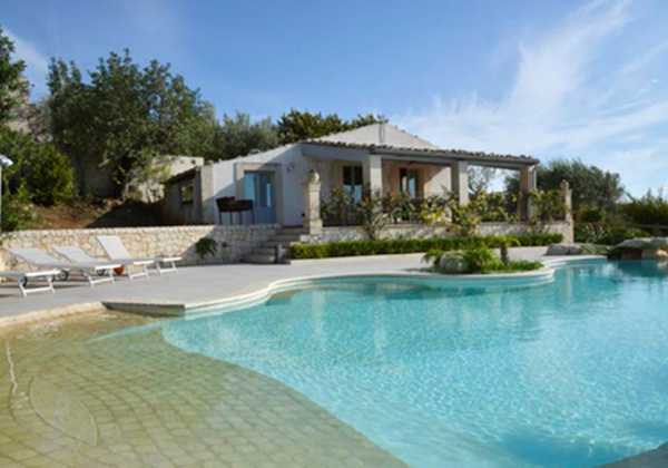 Villas In Sicily For Large Groups