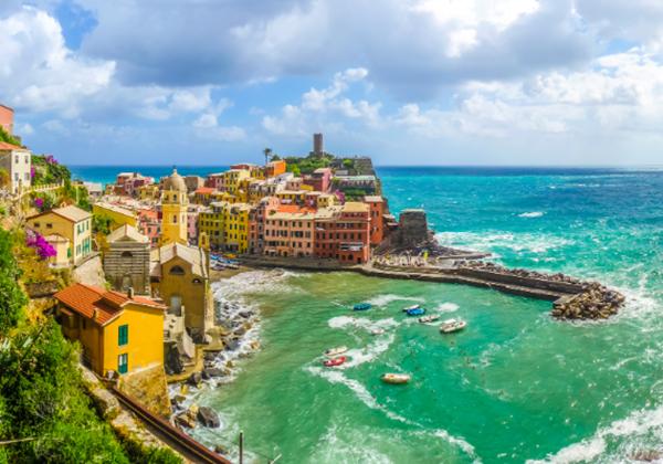Beachfront Villas On The Italian Riviera