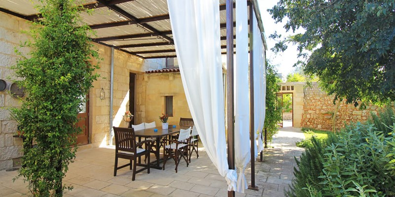 Luxury 5 bedroomed villa with private swimming pool in the Salento countryside