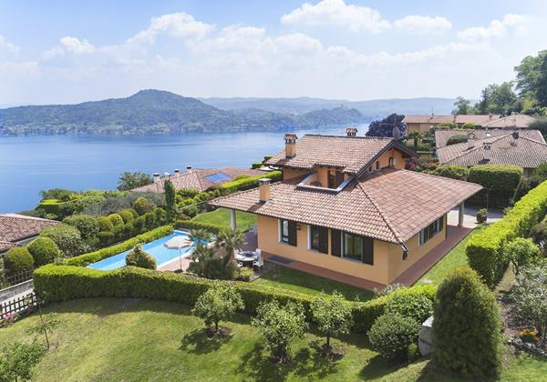 4  bedroomed villa with private pool overlooking Lake Maggiore