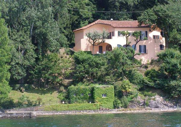6 bedroomed villa on the shores of Lake Maggiore