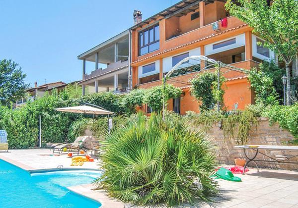 4 bedroomed villa with private pool near Lake di Bracciano in Lazio