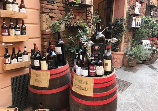 Italian villas close to amenities