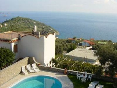 Large villa with pool in Sorrento