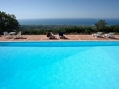 Apartment with shared pool near Cefalú