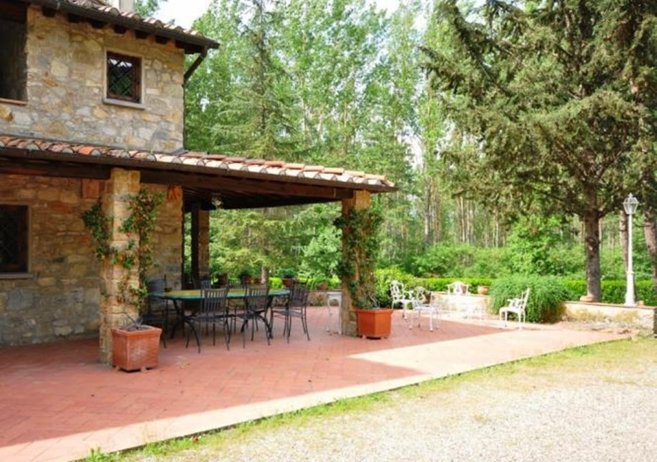 Converted mill Tuscan holiday home
