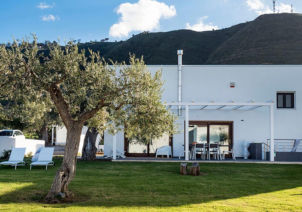 Villa near the sea in Cefalú region