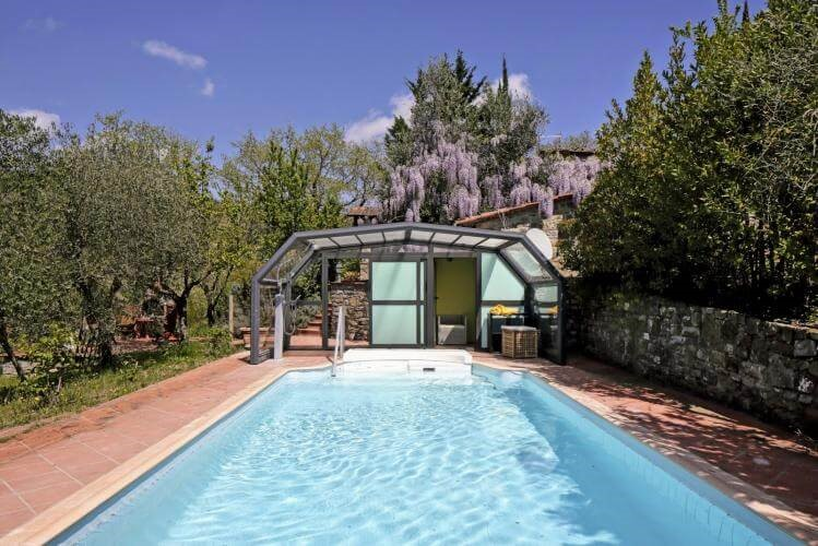 Converted Tuscan barn with private pool