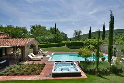 Classic villa in Tuscany Chianti region with private pool