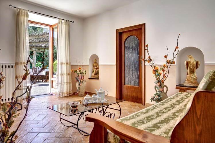 Villa with small pool in the Amalfi Coast