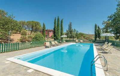 Large traditional Umbrian holiday home near Lake Trasimeno