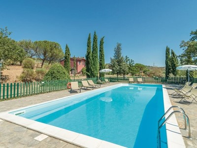 Large traditional Umbrian holiday home near Lake Trasimeno