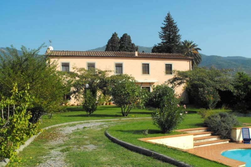 Charming traditional Tuscan villa with private pool
