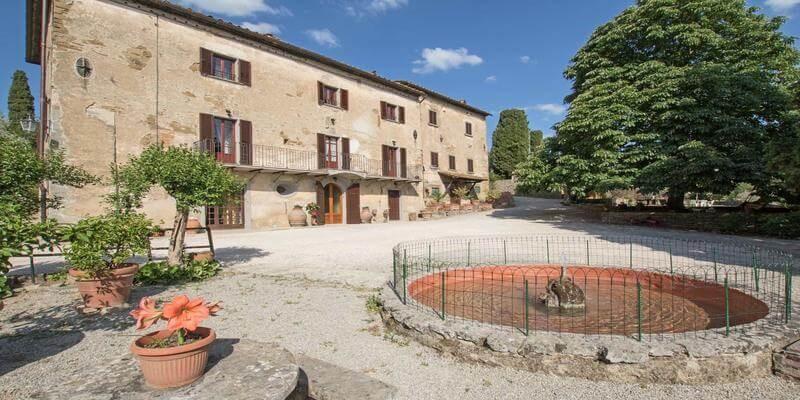 Traditional Tuscany villa near Cortona
