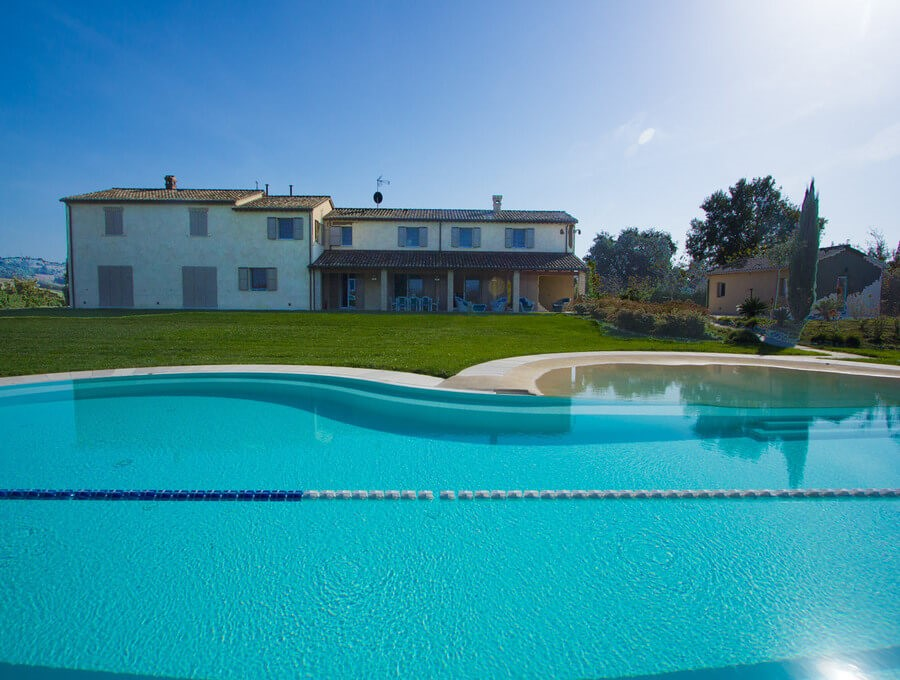 Wonderful luxury villa in Le Marche countryside with large private pool